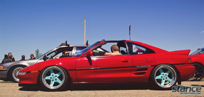 2013_stretch_and_poke_fitted_rollin_toyota_mr2_work_equip.jpg