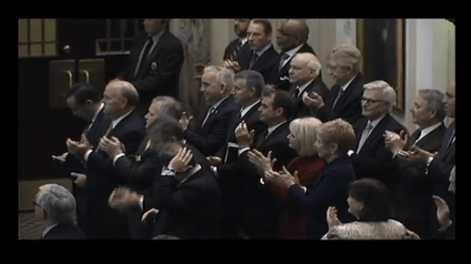oklahoma legislators clapping at state of the state address