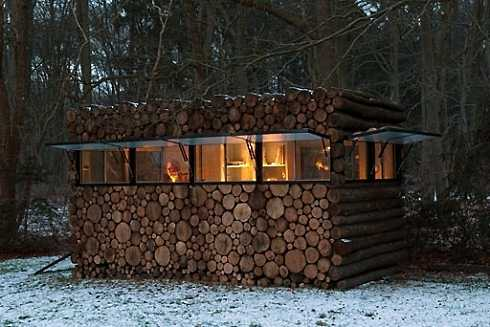 Small cabin design tiny traditionals to compact