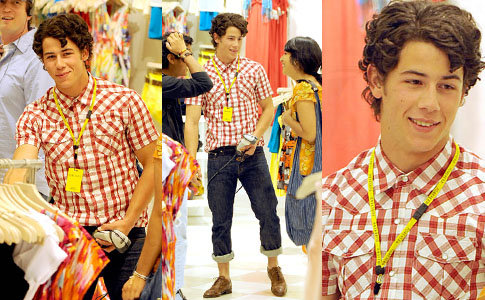 Nick Jonas working @ Forever 21 for a day in LA 4/19 Added 4 - The JJB