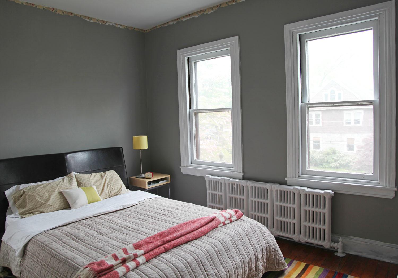 Beige Bedroom Walls With Wood Furniture