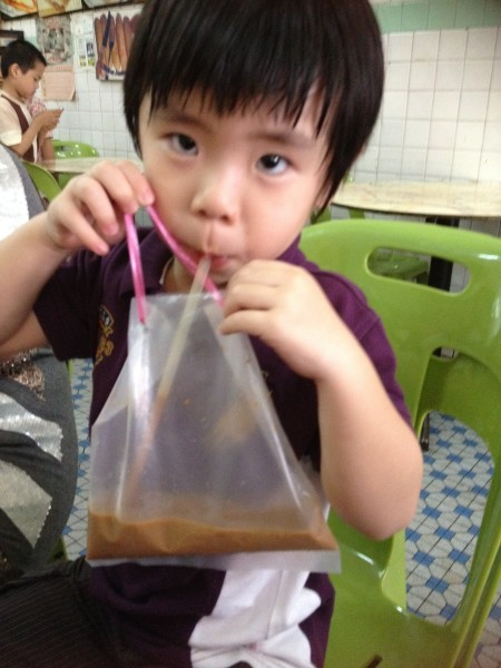 Ayden at Sin Yoon Loong on another trip. Too busy finishing up my coffee to even flash a thumbs-up.