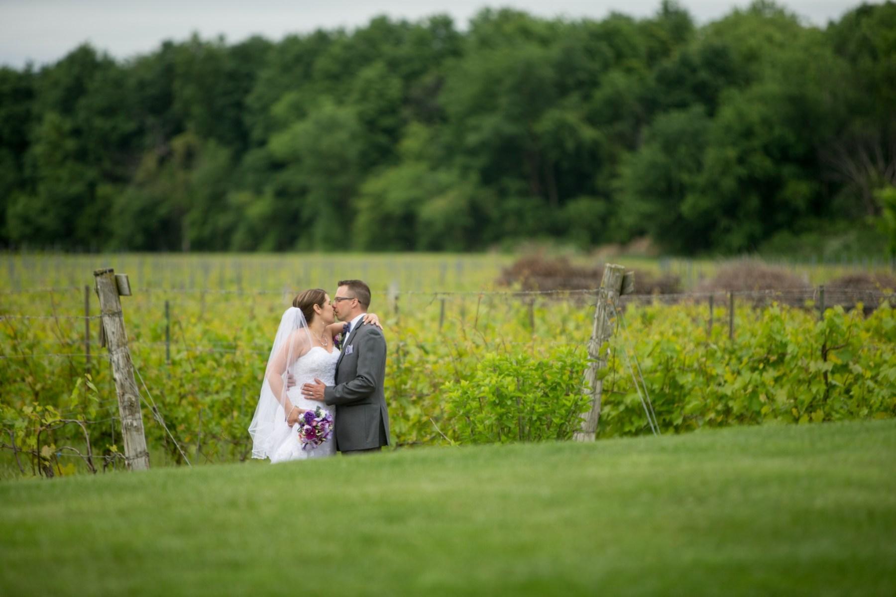 Sympathique mariage au coeur d'un splendide vignoble par Stéphane Lemieux Photographe de mariage