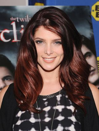 1220-ashley-greene-red-hair-color_bd