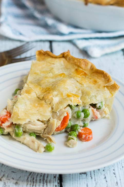 Spicy Southern Kitchen Easy Chicken Pot Pie // via Stephanie Howell
