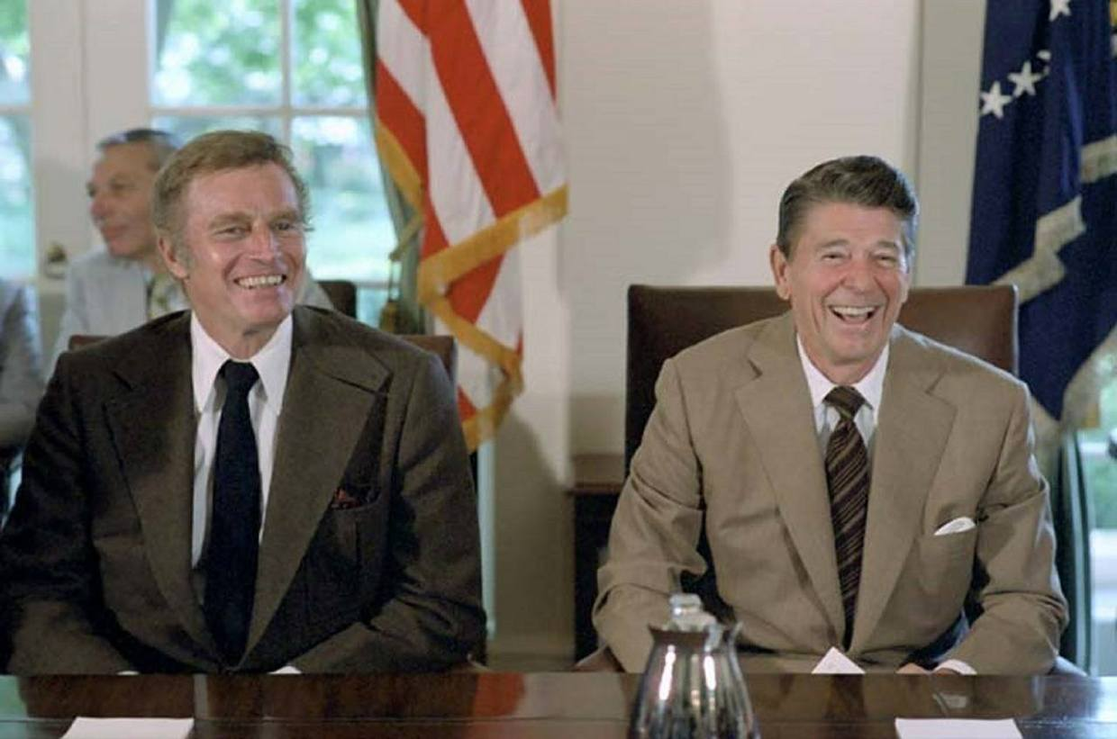 ronald-reagan-401460_1280