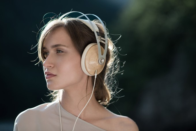 99-Classics-Headphones-04