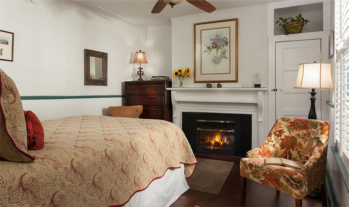 Marie's Room with Fireplace 1140x679px