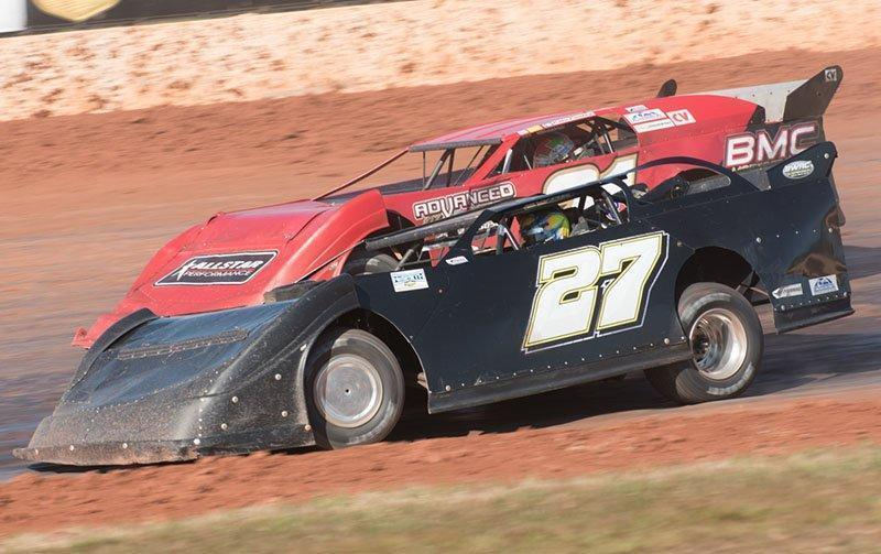 Smith Holds Off Conley For GIS Sunday NeSmith Late Model Win