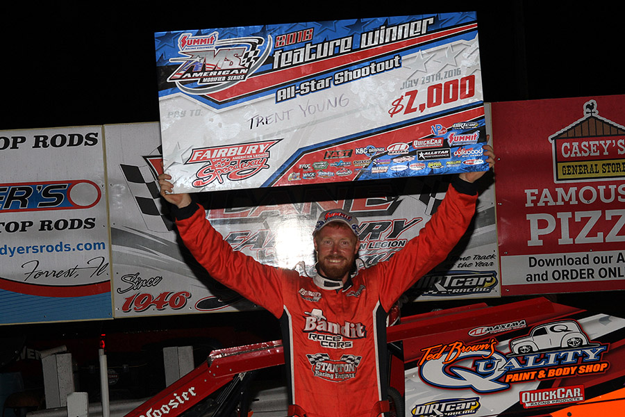 Trent Young captures UMP Modified Summit Nationals win at Fairbury Speedway!