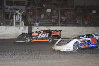 Jesse Stovall edging Brandon Sheppard at I-55 Raceway