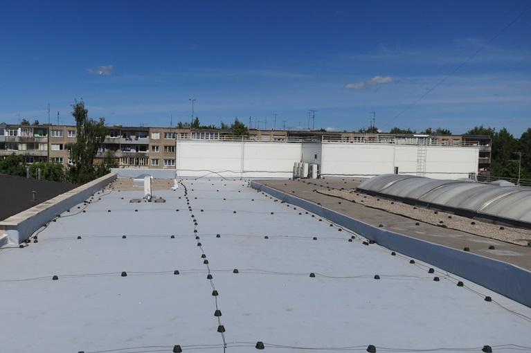 PVC stogo danga Fatrafol 810_Turgaus pastatas Kaune 1