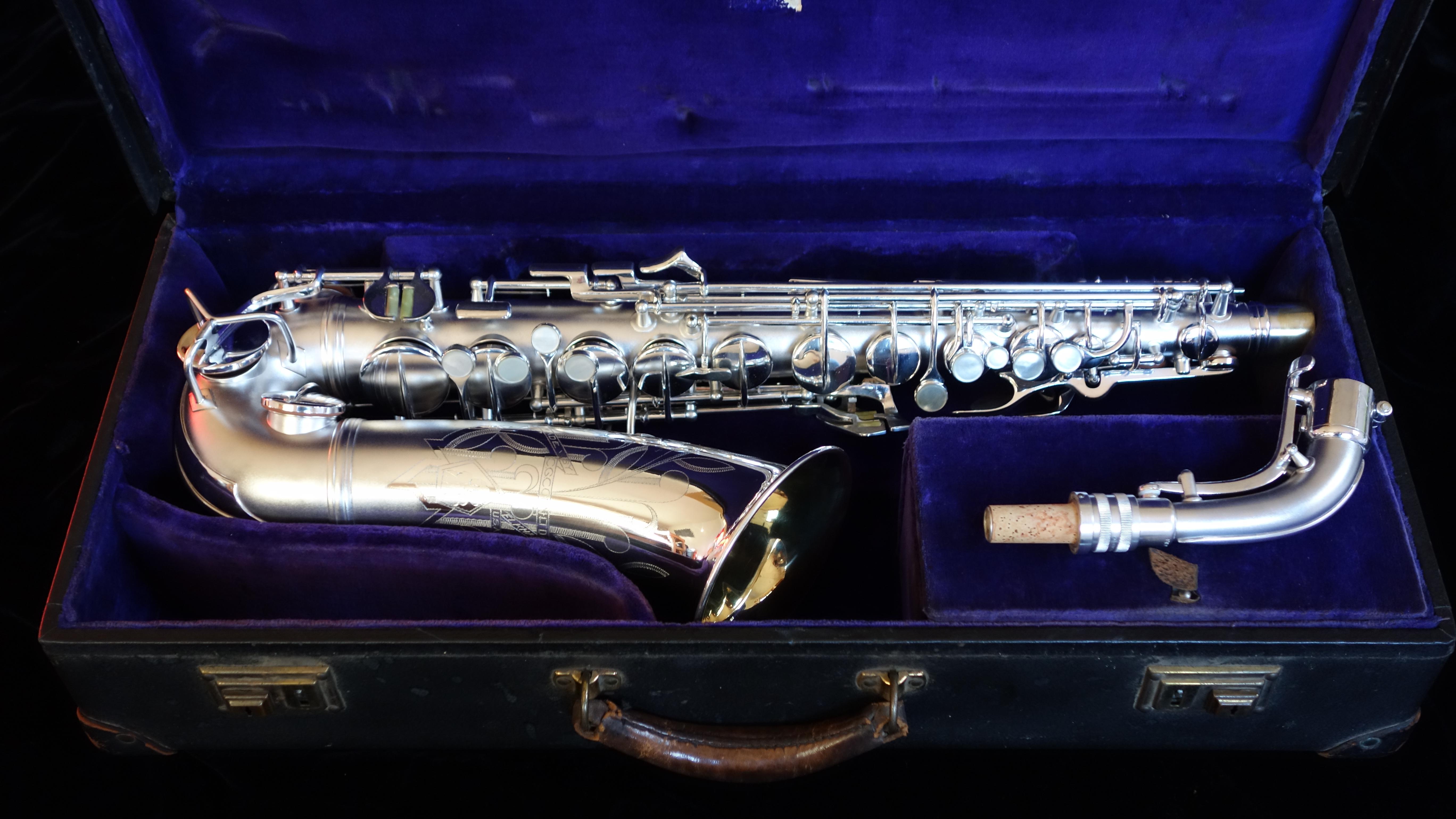 Dating conn saxophones vintage 1