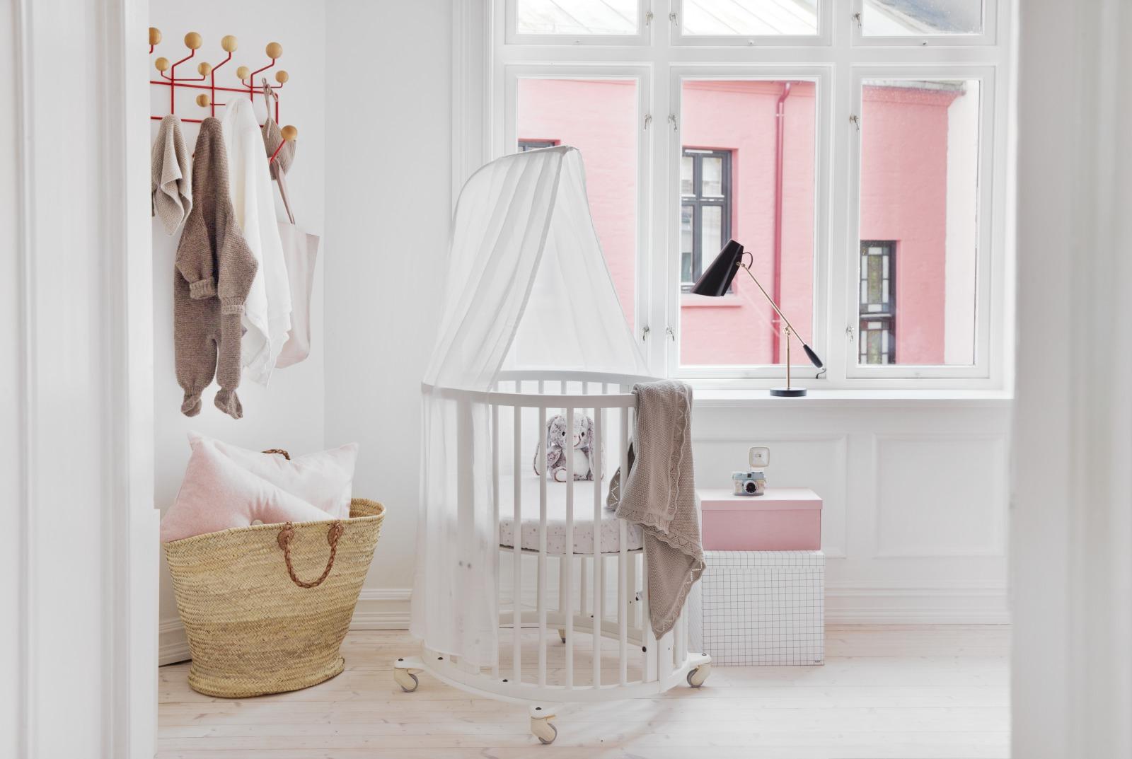 Stokke babybett kinderzimmer inspirierende babyzimmer herzchen