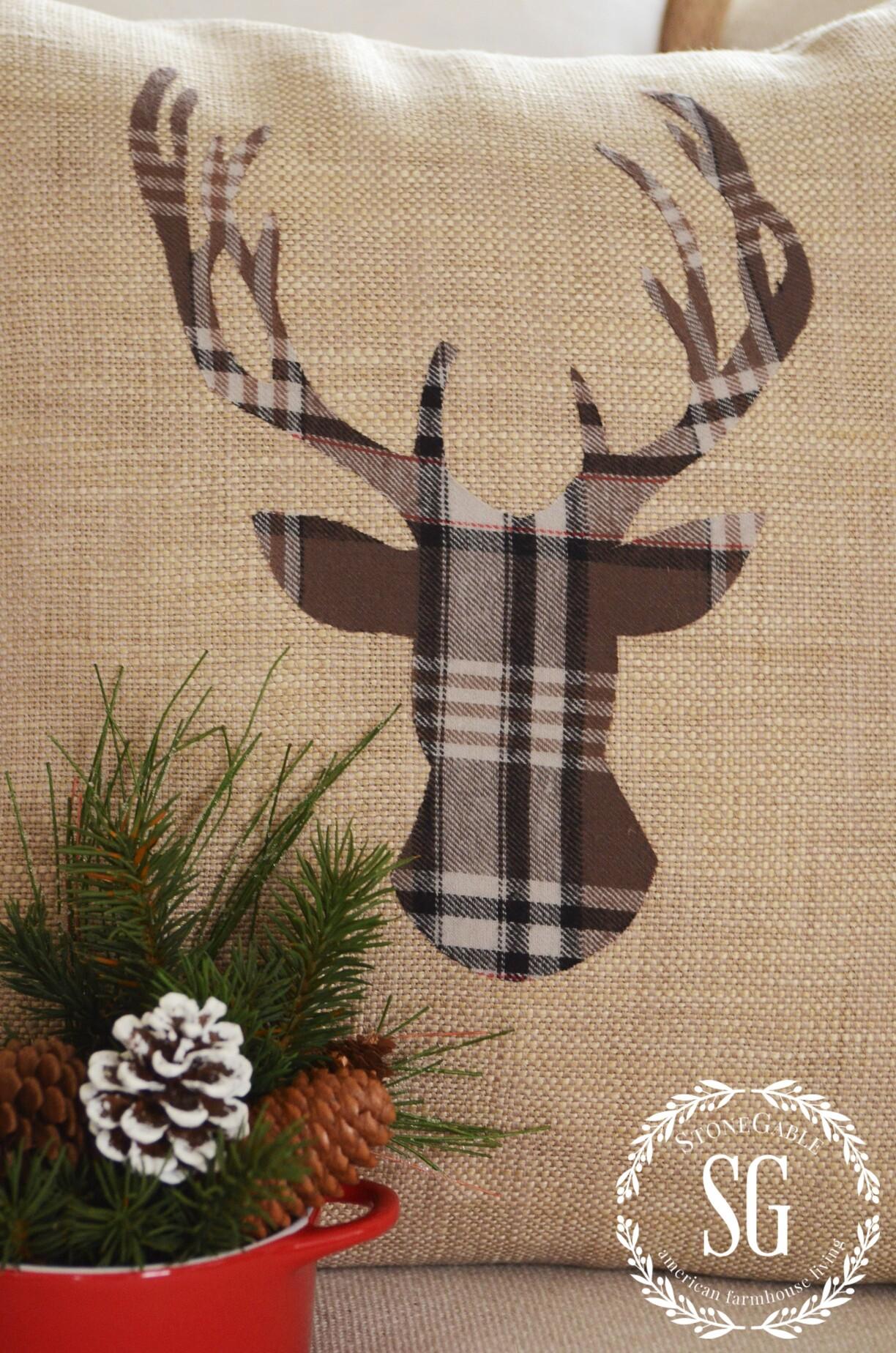 Woodland Christmas Deer Pillow Diy Stonegable