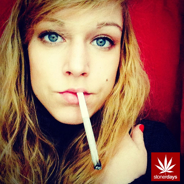 Rock N Roll Wallpaper For Girls Stoned And Beautiful Stoner Pictures
