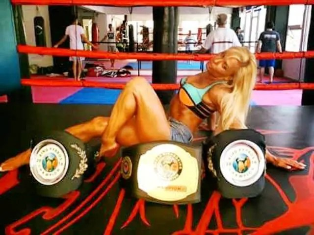ring girl lilia12