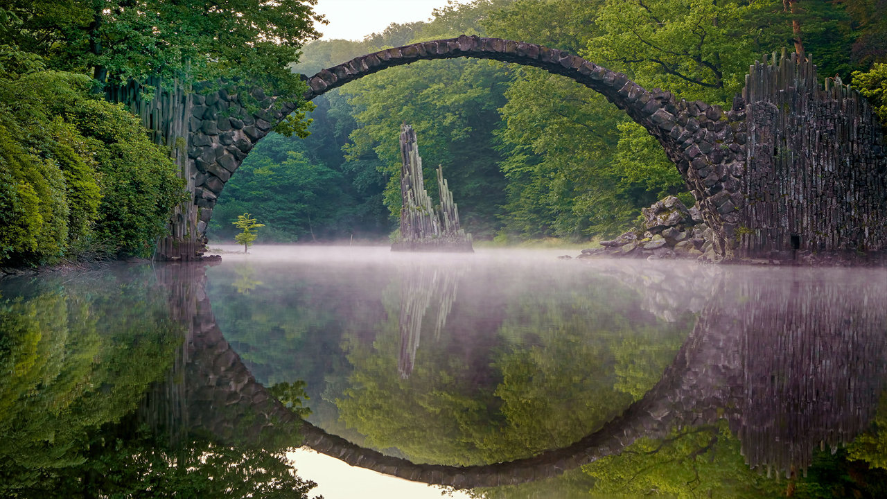 Wallpaper Hd Lord Of The Rings Captivating Bridge With Mirrored Image Is Fit For Lord Of