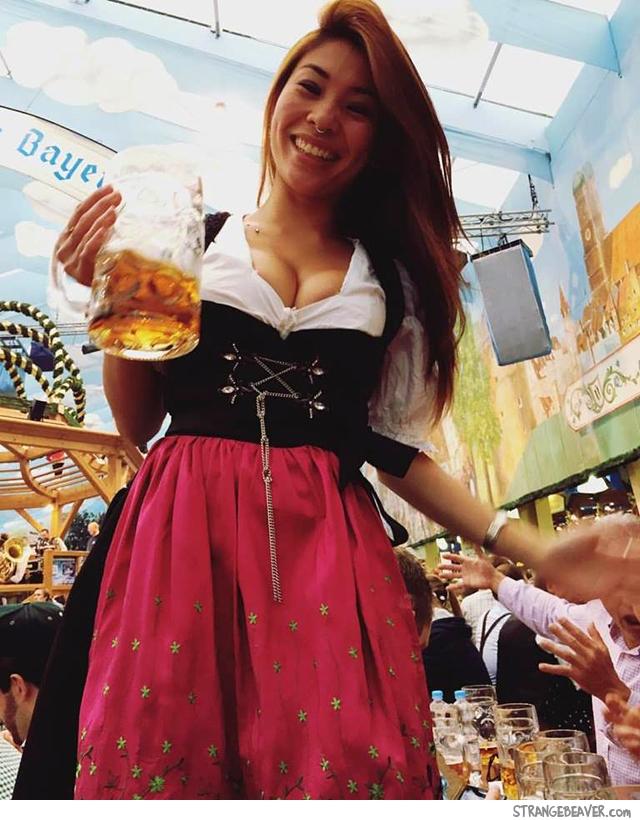 St Pauli Girl Wallpaper The Gallery For Gt Beer Girl Wallpaper
