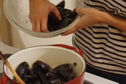 Ale Steamed Mussels with Garlic & Kale