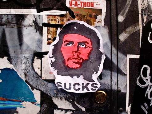 che_sucks_graffiti.jpg
