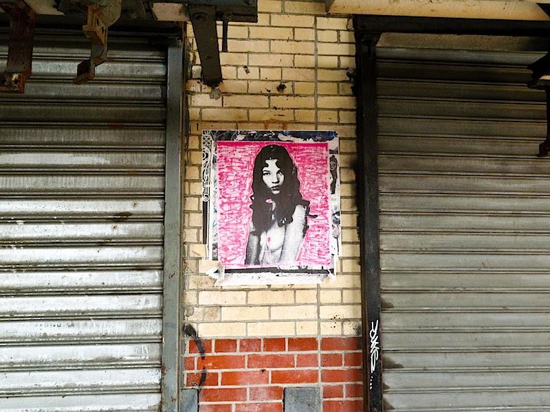kate_moss_street_art.jpg