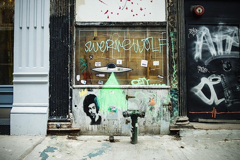 ufo_street_art_swervewold_ekg_more.jpg