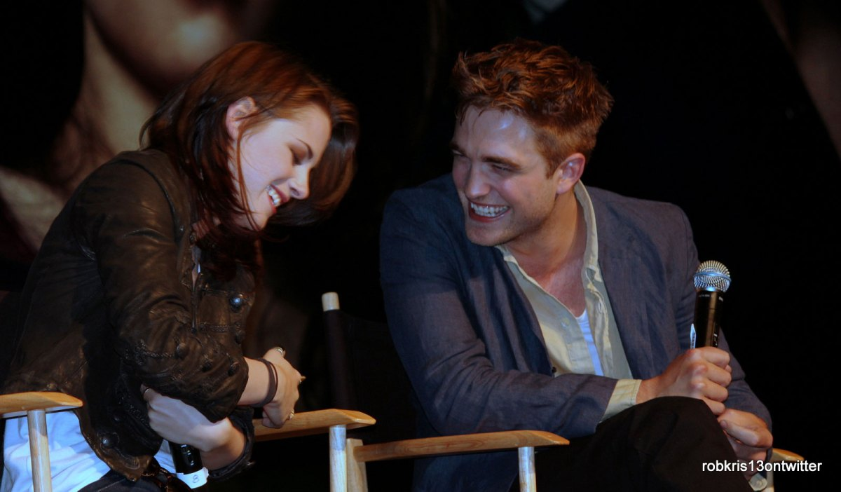 robert_pattinson_kristen_stewart_eclipse_convention3