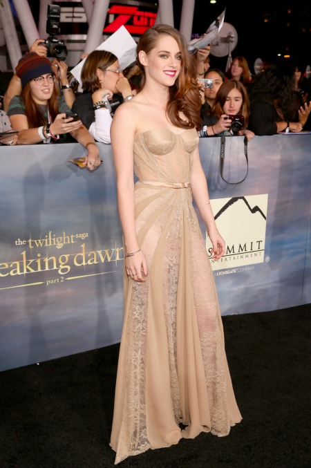 body-kristen-stewart-wedding-dress-zuhair-murad-breaking-dawn-part-2-world-premiere-robert-pattinson-we