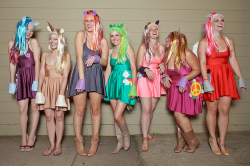 31 Halloween Costumes That Are Unforgettable!