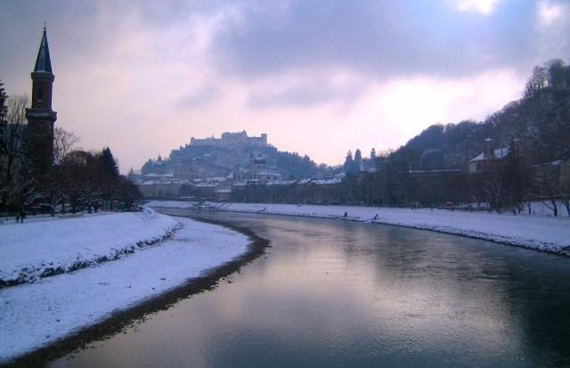 Osterreich, Altstadt, Salzach River, Hohensalzburg Castle