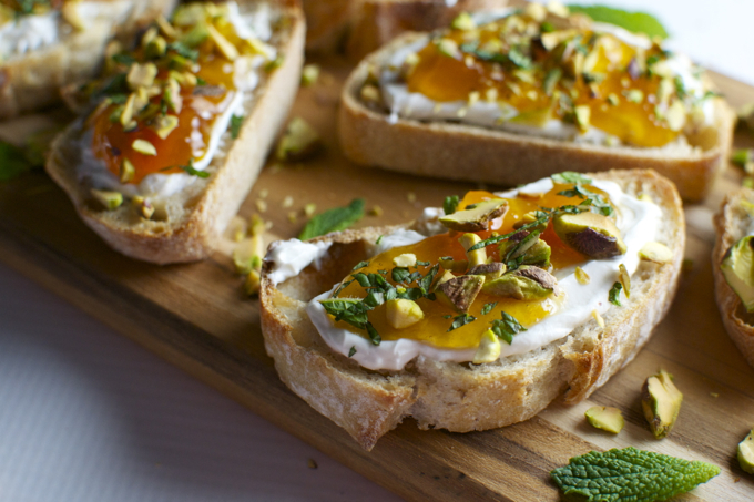 Goat Cheese and Apricot Crostini | stuckonsweet.com ...