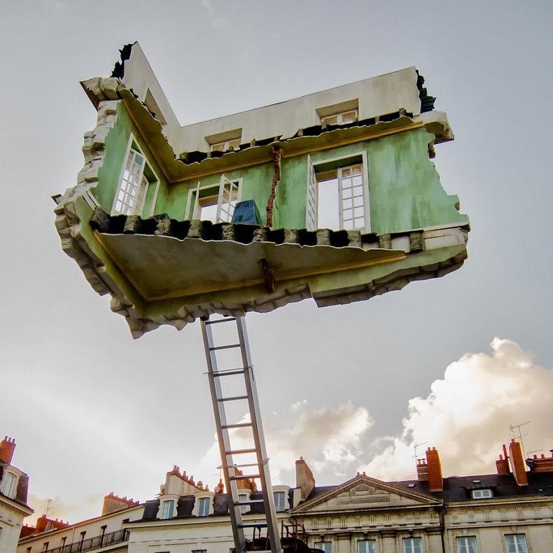 Leandro Erlich, Monte-meubles : L'ultime déménagement, Le Voyage à Nantes