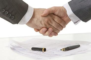 Poigne de main - Contrat finalis