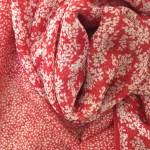 個性を楽しむスカーフのアレンジ(2)トライアングルから