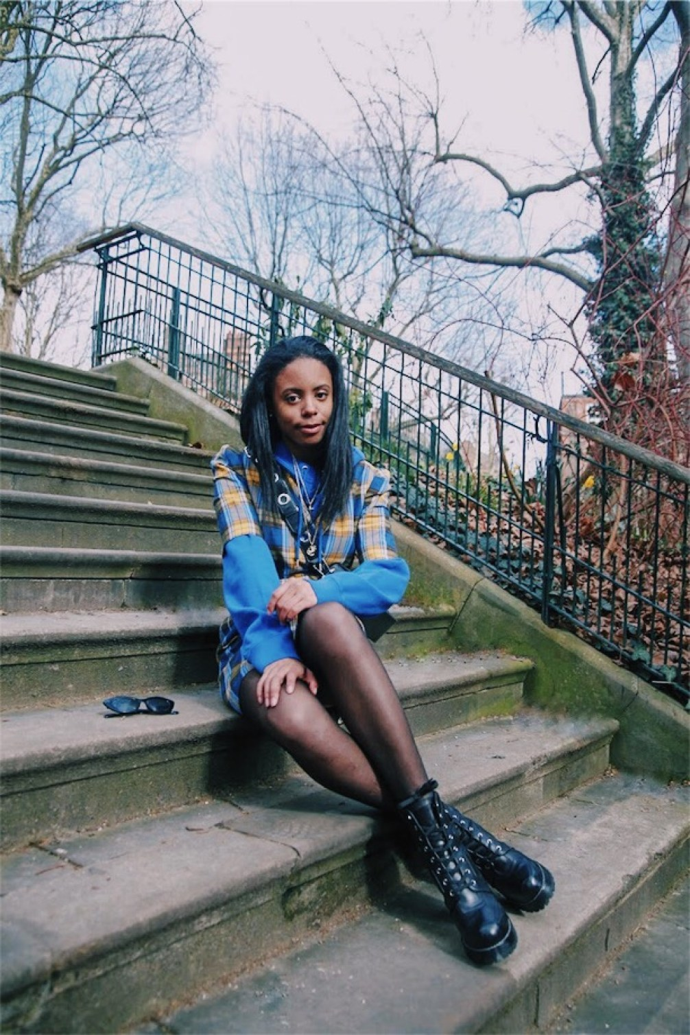 combat boots spring accessories vsco shoreditch london street style plaid 90s