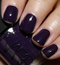 The Hottest Nail Polish Trends for Fall - Style Motivation