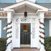 20 Great Christmas Front Door Decorating Ideas - Style ...
