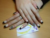 32 Simple and Elegant Nail Design Ideas - Style Motivation