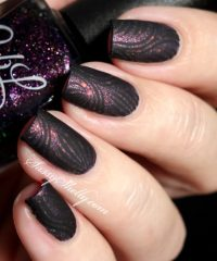 18 Bold Black Nail Art Designs and Ideas - Style Motivation