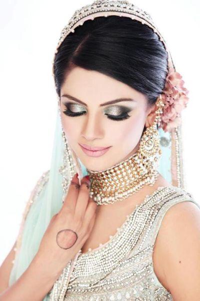 Latest Best Pakistani Bridal Makeup Tips & Ideas - Basic ...