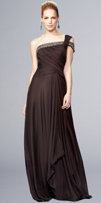 Choose Your Best Evening Gowns for a Perfect Look