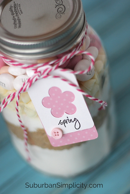 Easter Cookies in a Jar are more cute when you add a Tag