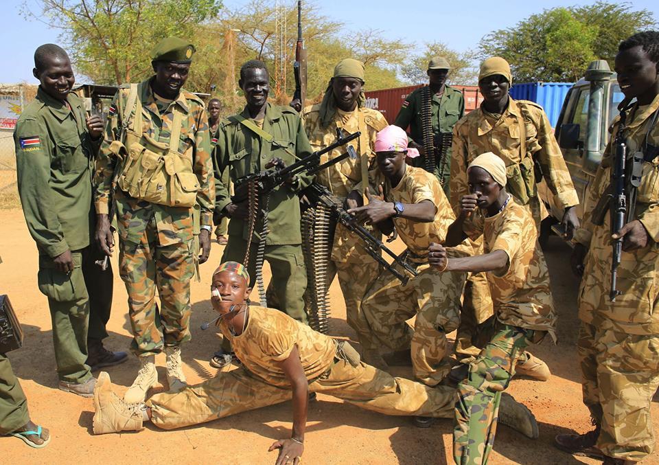 الحكومة تلاحق متهمين بحرق قرية بشمال دارفور
