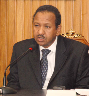 مصطفى عثمان: شعرت بأن الصادق المهدي أكثر مرونة واستعداداً لإنجاح الحوار الوطني