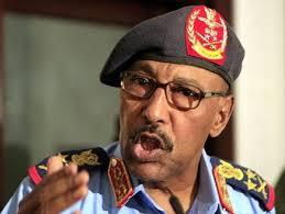 المحكمة ترفض استدعاء وزير الدفاع كشاهد في قضية احتيال