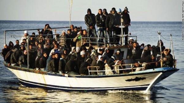 مصر ترحل 20 سوداني حاولوا التسلل إلى ليبيا