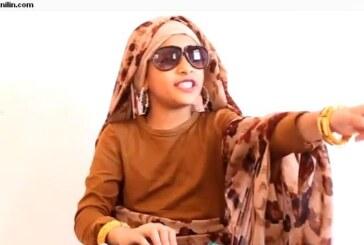 """فيديو طفلة """"خليجية"""" تقلد معلمتها """"السودانية"""" يحقق انتشار واسع ويكشف اسباب تفضيل المعلم السوداني"""