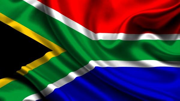 """جنوب أفريقيا تدرس إتاحة """"موانع حمل"""" لتلميذات المدارس"""