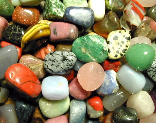 الأحجار الكريمة وعلاقتها بالأبراج